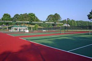 Renovasi lapangan tenis