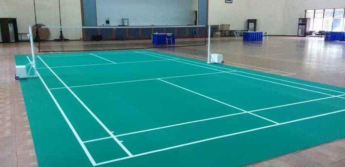 Pembuatan Lapangan Badminton Menggunakan Finishing Vinyl