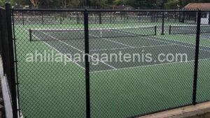 pasang pagar lapangan tenis